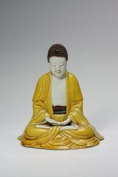 Buddha Shakyamuni, Biskuit Porzellan, Ära Kangxi (1662-1722), Privatsammlung