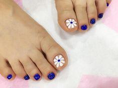 Toe nails, nail art | flower nail art for toes