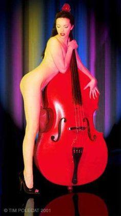 nette bilder von bass mädels | Seite 9 | Musiker-Board