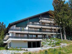 Le Tsaumiau - Apartment - CRANS-MONTANA - Switzerland - 1238 CHF 4-room apartment for 6 people, 95 m2 on 3rd floor, comfortable furnishings.  Living/dining room with cable TV. Smoking not allowed.  Sleeping room with 1 double bed. Sleeping room with 2 single beds.