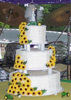 John Deere Cake- very elegant... wadda think Allie Shuey....Miranda Hernley....Kyle Shuey....Colin Lentz....Tyler Young.... Jeff Crider (for the children)