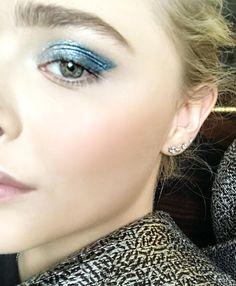 Pinterest: DeborahPraha ♥️ blue eyeshadow cat eye look