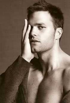 and this is why i love butt chins...thank you tom brady