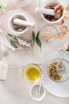 Bath Salts Homemade Essential Oils 42 Ideas For 2019 The Body Shop, Diy Skin Care, Skin Care Tips, Diy Cosmetic, Homemade Essential Oils, Floral Bath, Homemade Scrub, Belleza Natural, Beauty Recipe