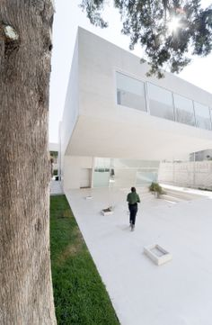 Esplanada Studio / Tatiana Bilbao & at103 minimal minimalist white design