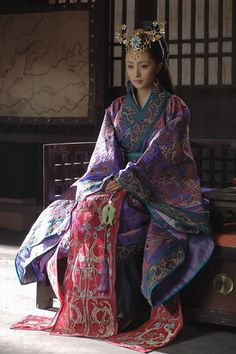 Ancient-Chinese-Clothing (So complicated! And yet so pretty and elegant. Hanfu, Cheongsam, Traditional Fashion, Traditional Dresses, Traditional Chinese, Oriental Fashion, Asian Fashion, Oriental Dress, Chinese Fashion