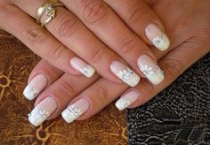 31 Classy Wedding Nail Design Try for Brides Nail Designs 2017, Bridal Nails Designs, Bridal Nail Art, Wedding Nails Design, White Nail Designs, Nail Art Designs, Nail Art Photos, Bride Nails, Floral Nail Art