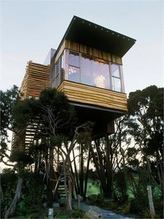 12 Modern Tree House Designs