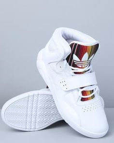 big sale 549e9 e0f6b Adidas Roundhouse Mids Sneakers Shoes, Basket Sneakers, Adidas Sneakers,  Shoes Heels, Nike