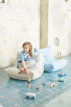 Sit Back & Relax 座るミルクジャポン | MilK ミルクジャポン