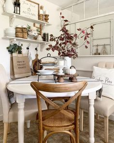 7 Breakfast Nook Ideas that Don't Break the Bank - Decor Steals Blog Nook Table, Dining Nook, Dining Chairs, Dining Table, Room Chairs, Breakfast Nook Decor, Small Breakfast Nooks, Kitchen Chandelier, Wood Chandelier