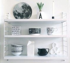Etagere string pocket