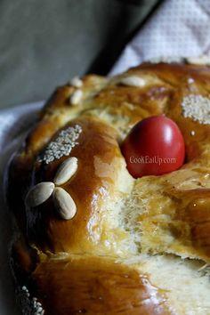 """""""ΤΟ"""" τσουρέκι! ⋆ Cook Eat Up! Greek Cake, Easter Recipes, Greek Recipes, Sweet Desserts, Sweet Bread, Pretzel Bites, French Toast, Food And Drink, Cookies"""