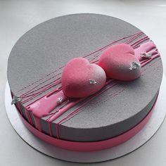 5,545 mentions J'aime, 58 commentaires – Анна (@mashinskaya_ann) sur Instagram : «Торт на серебряную свадьбу солидный размер весом в 3 кг, ободок из белого шоколада и напоминаю…»
