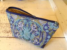 Zippered pouch from katydidslinens