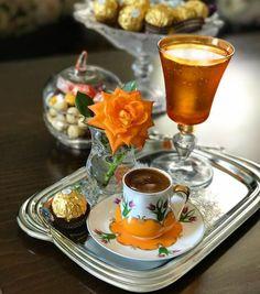For Coffee Lovers. Brown Coffee, I Love Coffee, My Coffee, Good Morning Coffee, Coffee Break, Coffee Cafe, Coffee Drinks, Turkish Coffee Cups, Cafetiere