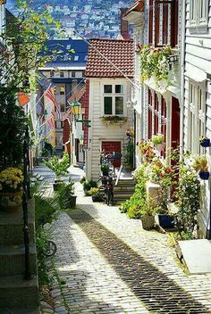 Bergen, Norway I loved Norway, so colorful, such quaint towns ad neighborhoods. I would feel the same if I could just go! Places Around The World, Travel Around The World, Around The Worlds, Places To Travel, Places To See, Travel Destinations, Wonderful Places, Beautiful Places, Amazing Places