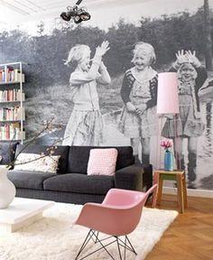 Te mostramos un montón de imágenes con ideas para decorar paredes con fotos, una manera muy sencilla de embellecer el hogar y tener presente nuestras fotos.