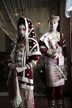 #KotoGadangWedding in Red (Mahligai Indonesia Magazine)