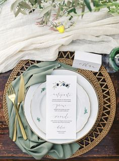 Romantic Tuscan Wedding Inspiration | Wedding Sparrow | Melanie Nedelko Photography