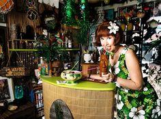 retro tiki decor | Kelly Camille Patterson of The Velveteen Lounge Kitsch-en