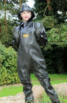 Policewoman Angelina Bartlett in chest waders for searching the river. Pvc Trousers, Pvc Hose, Latex Costumes, Rubber Raincoats, Heavy Rubber, Yellow Raincoat, Rain Gear, Weather Wear, Wellington Boot