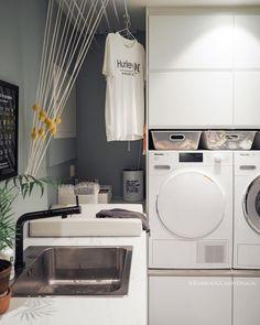 • Vaskeromsinnredningen 🧺 • ••• • Visste du at innredningen vår er kjøkkenskap fra IKEA? Skapene som vaskemaskinen og tørketrommelen står… Stacked Washer Dryer, Washer And Dryer, Laundry Room, Washing Machine, Home Appliances, House Appliances, Washing And Drying Machine, Laundry Rooms, Appliances