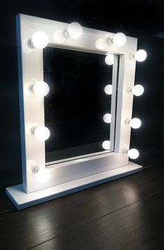 x Illuminated Light Up Hollywood Style Dressing Table Make Up Vanity Mirror Gloss White - Hand Made In Great Britain Bulb Mirror, Diy Mirror, Mirror With Lights, Handmade Mirrors, Makeup Vanity Mirror, White Mirror, Ball Lights, Wood Working For Beginners, Beauty Room