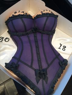 Vanilla sponge with buttercream Corset cake