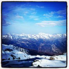 by @alex_praz Management, Mountains, Twitter, Travel, Instagram, Trips, Viajes, Traveling, Bergen