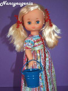 """La nueva Lesly de comunión recién llegada a casa luce esta creación que he realizado para ella y que se llama """"Arco iris hippie"""". Es un ves..."""