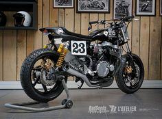 Tremenda la #Honda CB750 Seven Fifty #StreetTracker BS3 de Badseeds Motorcycle Club. Un trabajo brutal y con mucho carácter #motorcycles | caferacerpasion.com