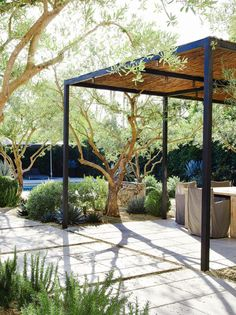 11+Gorgeous+Drought-Friendly+Landscapes+via+@mydomaine