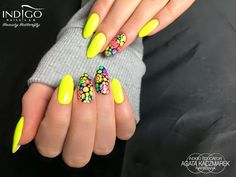 Neon Yellow Gel Polish by Indigo Educator  Agata Kaczmarek #nails #nail #yellow #indigo #indigonails #nailsart #summernails #springnails #neon #neonnails