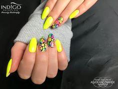 Neon Yellow Gel Polish by Indigo Educator Agata Kaczmarek #nails #nail #yellow #indigo #indigonails #nailsart #summernails #springnails #neon #neonnails