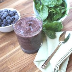10 DAY #5 GREEN SMOOTHIE CLEANSE: PEACHY BERRY SPINACH - 3 handfuls spinach, 2 C water, 1 C frozen peaches, 1 handful fresh or frozen seedless grapes, 1 1/2 C blueberries, 3 packets Stevia to sweeten, 2 TBLSP ground flaxseeds, OPT: 1 scoop protein powder..Place spinach & water into blender & blend until mixture is a green juice-like consistency. Stop blender & add remaining ingredients blending until creamy. (Divide into 3 serv for the days meals add crunchy raw vege snacks as needed)