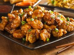Orange Chicken is a dish that people just can't seem to get enough of, ourselves included! Unfortunately, most orange chicken recipes use a lot of sugar and then deep-fry the chicken, so it's not. Asian Recipes, Healthy Recipes, Ethnic Recipes, Easy Recipes, Oriental Recipes, Chinese Recipes, Vegetarian Recipes, Poulet General Tao, Panda Express Orange Chicken