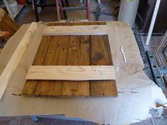 Puertas hechas con maderas recicladas de pallets diy for Puerta palets