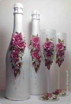 These vodka bottle crafts provide a tons of methods to pull out and reinvented this daily product. Recycled Glass Bottles, Glass Bottle Crafts, Wine Bottle Art, Painted Wine Bottles, Diy Bottle, Bottle Lamps, Bottles And Jars, Vodka Bottle, Decorated Wine Glasses