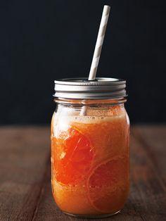 Recipe : オレンジスムージー/いつものジュースも見せ方ひとつでおしゃれに