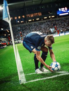 Toni Kroos - Real Madrid #footballislife