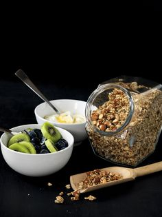 5 cups rolled oats 3 cups (450g) almonds (skin on), coarsely chopped 1 cup (190g) sunflower seeds ¾ cup sesame seeds ½ cup brown sugar 2 teaspoons each: ground cinnamon, ground ginger 180g (about ¾...