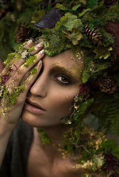 41 Ideas Mother Nature Costume Hair Forest Fairy For 2019 Fantasy Queen, Fantasy Make Up, Fairy Fantasy Makeup, Dark Fairy Makeup, Fantasy Art, Fantasy Fairies, Fantasy Model, Fx Makeup, Models Makeup
