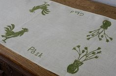 Swedish Vintage Happy Easter Linen Printed by ScandicDiscovery