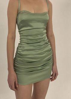 Green Satin Dress, Sage Green Dress, Pretty Outfits, Pretty Dresses, Cute Outfits, Elegant Dresses, Hoco Dresses, Satin Dresses, Ruched Dress