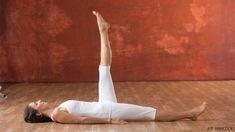 Kundalini Yoga: 13 Poses to Help You Break Bad Habits - Yoga Fitness Ideas Kundalini Yoga Poses, Hatha Yoga, Pilates Yoga, Restorative Yoga, Iyengar Yoga, Pilates Reformer, Yin Yoga, Outdoor Yoga, Qi Gong