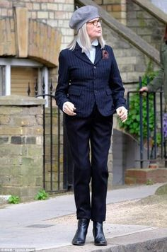 62 Trendy Clothes For Women Over 60 Diane Keaton Fashion Over 40, Fashion 2020, Love Fashion, Diane Keaton, Looks Chic, Advanced Style, Trendy Clothes For Women, Aging Gracefully, Mode Style