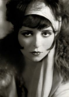 Clara Bow http://www.alisoncay.com/fashion-footwear-accessory-comfort-or-obsession/