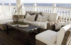 CHIC COASTAL LIVING: Chic and Breezy Coastal Design