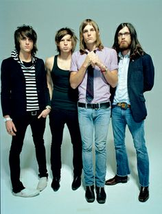 *Sigh* Kings of Leon during their Golden Age (from Youth and Young Manhood - Aha Shake Heartbreak) Kings Of Leon, Young Guitar, Jim Morrison Movie, Nikki Sixx, Neil Young, Kendrick Lamar, Funny Movies, Fleetwood Mac, Eric Clapton